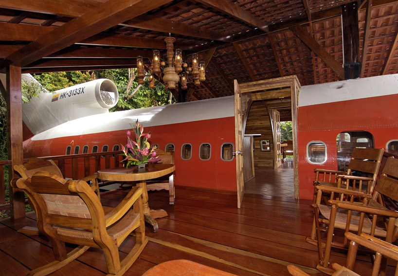 boeing-727-is-transformed-into-hotel-suite-in-costa-rican-designboom-051