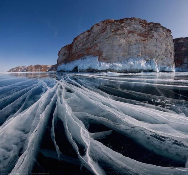Baikal-Lake-in-Russia-by-Daniel-Kordan-600x560-1